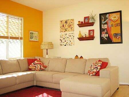 Cores laranja e marfim na parede