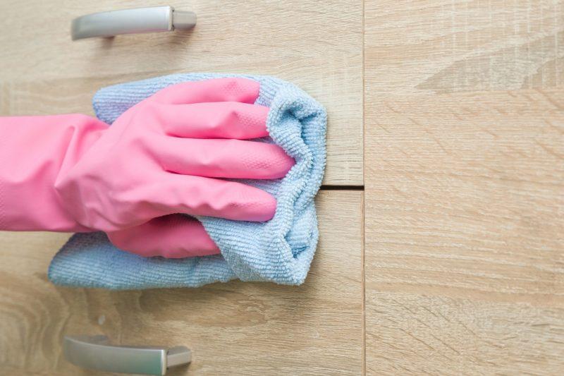 Limpar móveis MDF